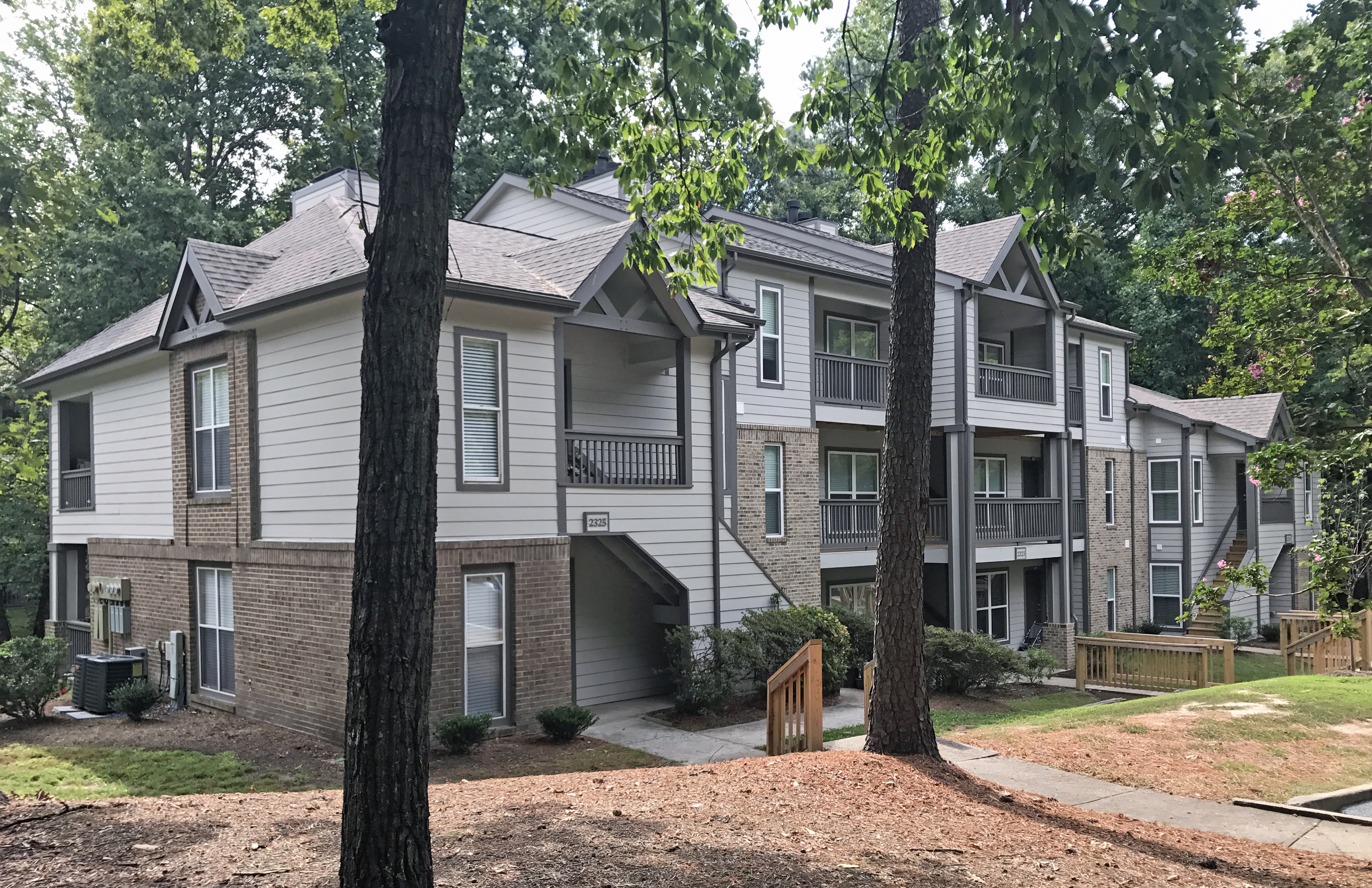 Hickory Creek Apartments
