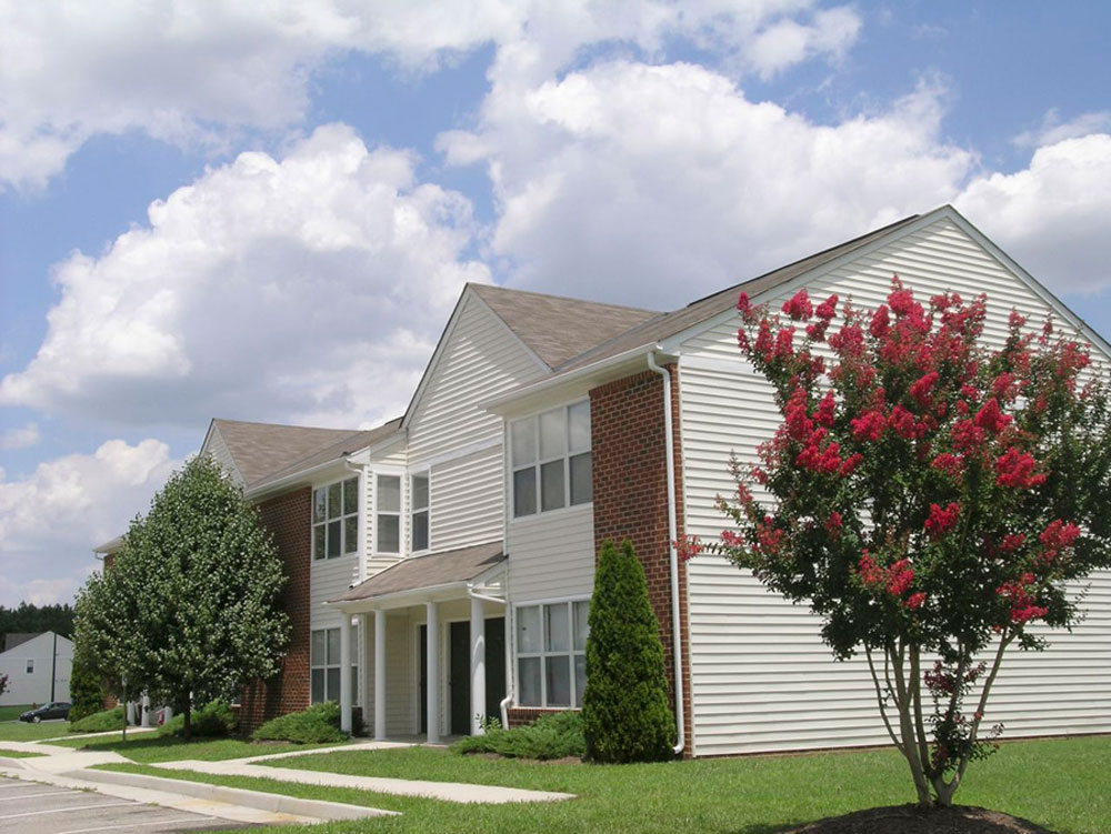 Branchester Lakes Apartments