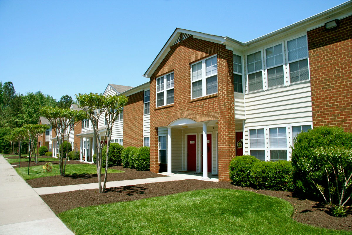 Chesterfield Gardens Apartments