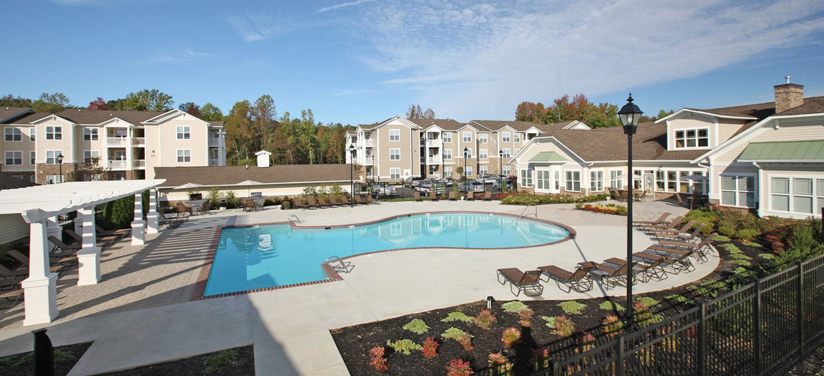 Addison Crater Woods Apartments